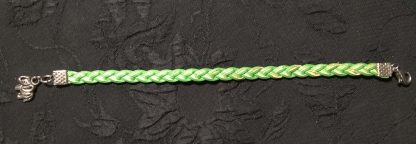 зеленый браслетик