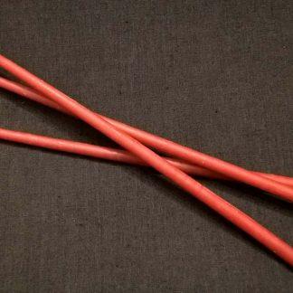 Красные длинные свечи