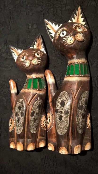 Кошки разного размера