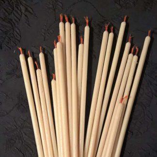 Свечи из белого воска с красным фитилем